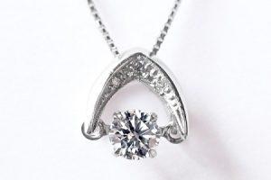 ふるさと納税で貰えるダンシングダイヤモンドネックレス