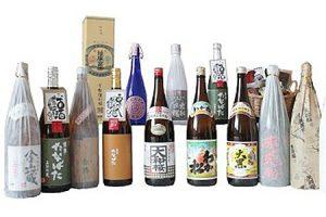 ふるさと納税で貰える鹿児島県の焼酎セット(地元の8蔵焼酎とおつまみ、さつまあげの詰合せ)